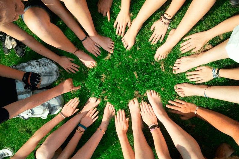 Building an Online Community