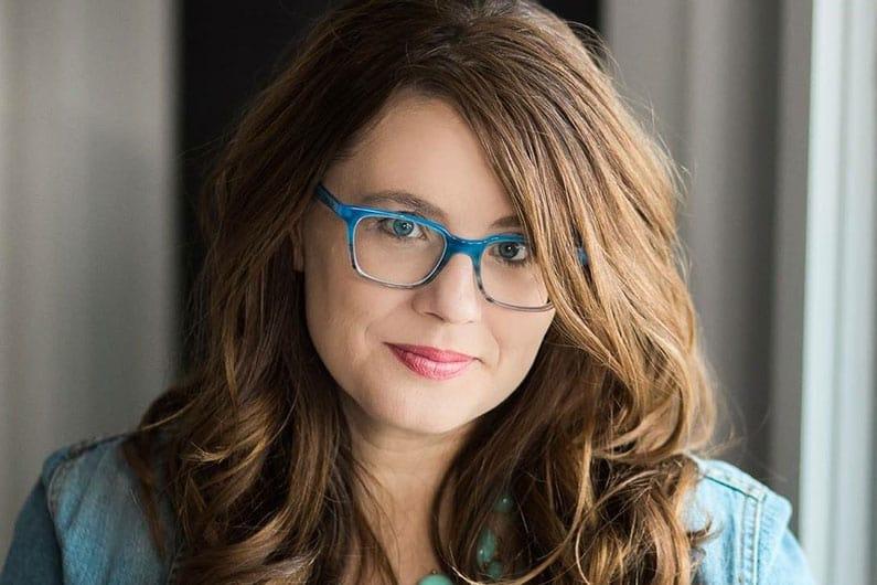 Becky Mollenkamp